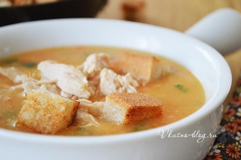 Гороховый суп с курицей - фото