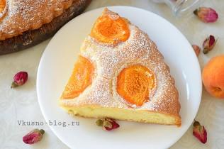 Простой пирог с абрикосами