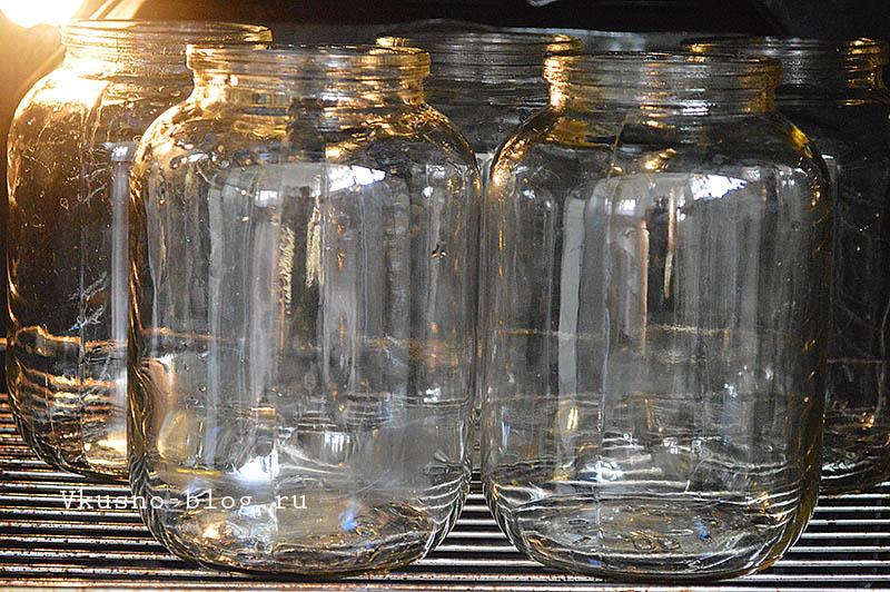 Стерилизуем банки в духовке
