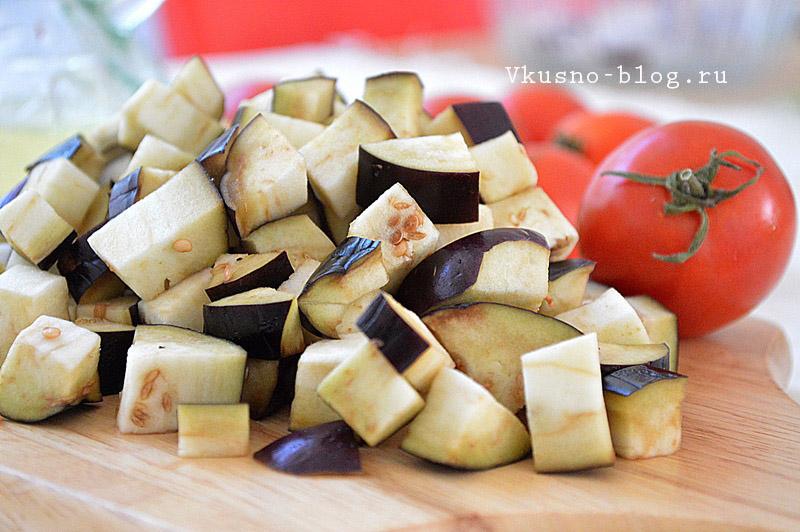 Овощной соус для спагетти режем баклажаны