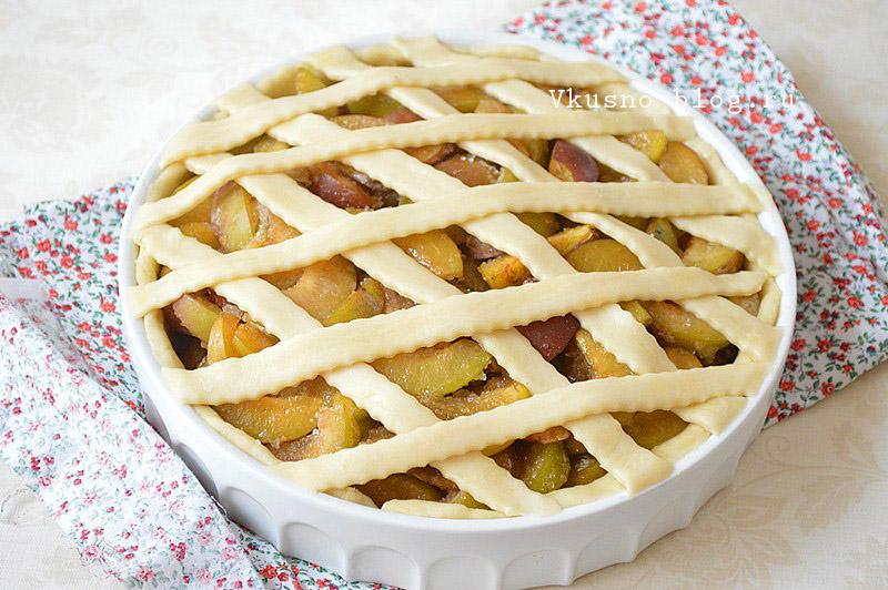 Песочный пирог со сливами - запекаем пирог