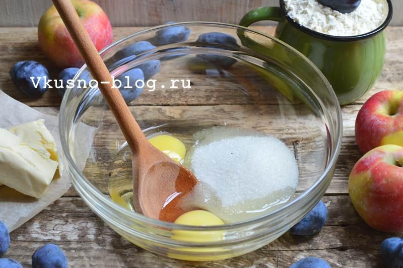 Быстрый яблочно-сливовый пирог 6