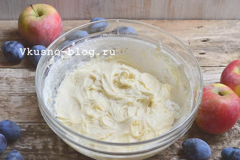 Быстрый яблочно-сливовый пирог 9