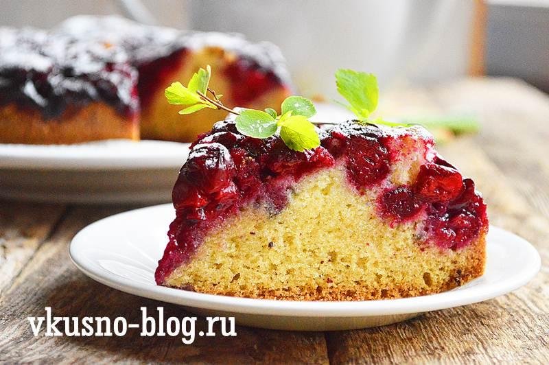 Пирог с замороженной вишней, рецепт с фото