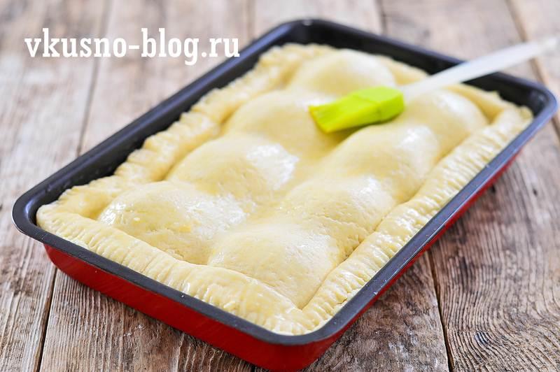Пирог с половинками яблок
