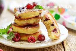 Оладьи с ягодами
