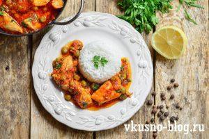 Курица с горошком в томатном соусе