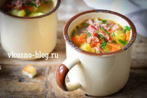 Суп с копчеными свиными ребрышками