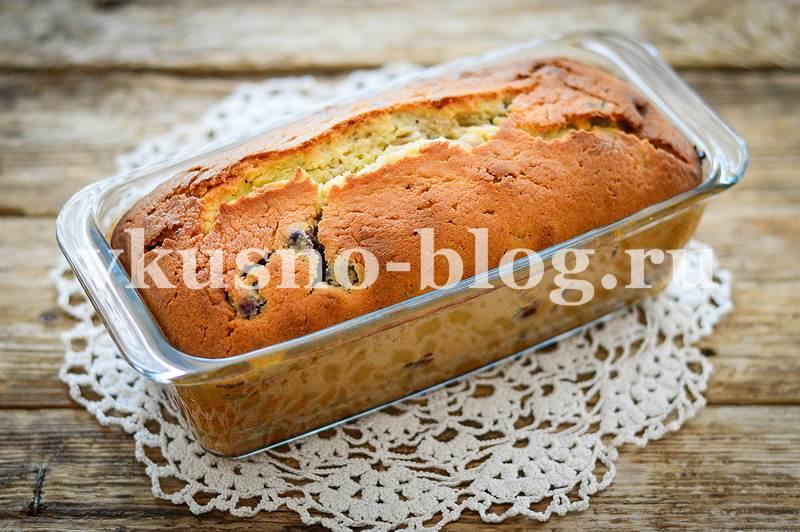 Кекс со сметаной и ягодами - рецепт с фото