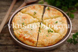 Ленивый хачапури с сыром на сковороде
