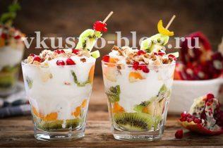 Фруктовый салат с йогуртом в стакане рецепт