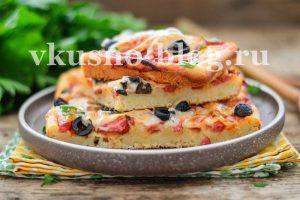 Пицца на заливном (ленивом) тесте на кефире без дрожжей