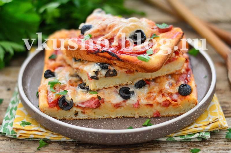 Пицца на заливном ленивом тесте на кефире без дрожжей