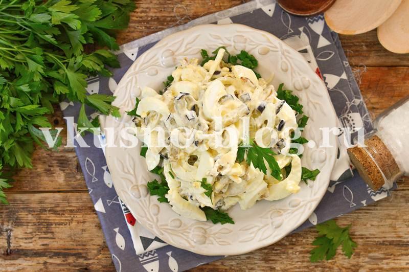 Салат с баклажанами яйцом маринованным луком